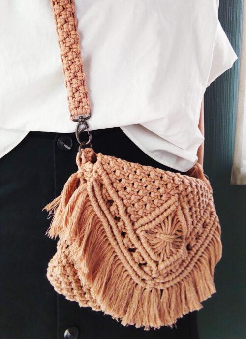 今度は編み物♪